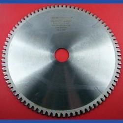 EDN Hartmetallbestücktes Kreissägeblatt WKN spezial für Kappsägen extra fein – Ø 250 mm, Bohrung 30 mm