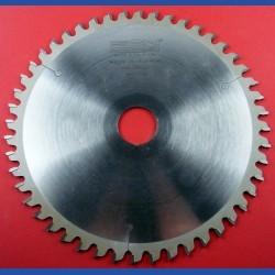 EDN Hartmetallbestücktes Kreissägeblatt WKN spezial für Kappsägen sehr fein – Ø 209 mm, Bohrung 30 mm