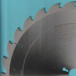 EDN Hartmetallbestücktes Baukreissägeblatt BTS ''nagelfest'' – Ø 400 mm, Bohrung 30 mm