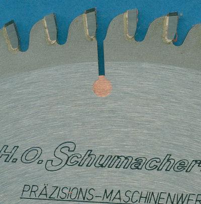 Detailaufnahme des H.O. Schumacher+Sohn Hartmetallbestückten Kreissägeblatts NE-negativ