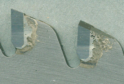 Die Hartmetall-Zähne des Kaindl XTR-S 2.0 Metall-Kreissägeblatts für Dry Cutter