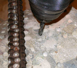 Mit dem KING Universalbohrer bohren Sie Beton und Baustahl